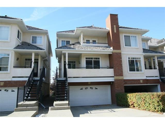 15 SIERRA MORENA LD SW, 2 bed, 2.2 bath, at $378,800