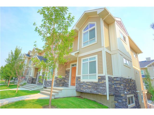 99 SKYVIEW RANCH GD NE, 3 bed, 2.1 bath, at $310,000
