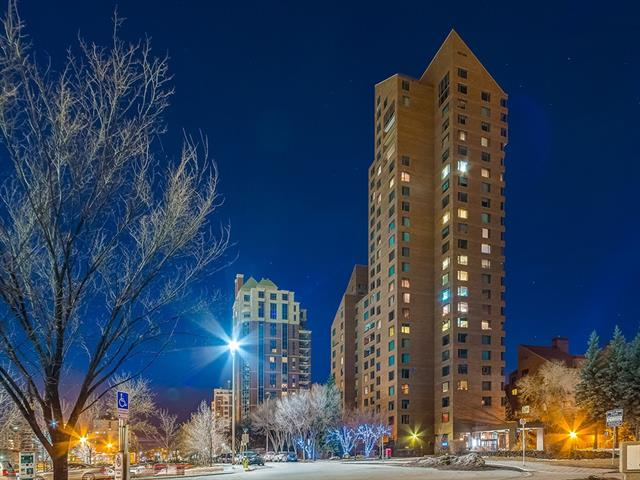 #1800D 500 EAU CLAIRE AV SW, 3 bed, 2.1 bath, at $2,450,000
