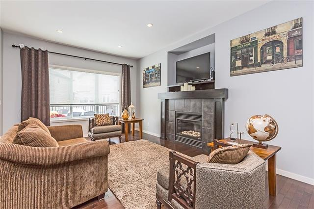 571 COPPERPOND CI SE, 3 bed, 3.1 bath, at $525,000