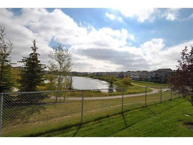 252 TARACOVE PL NE, 2 bed, 1.1 bath, at $364,900