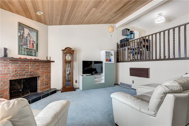 36 CANTERBURY GD SW, 2 bed, 1.1 bath, at $249,900