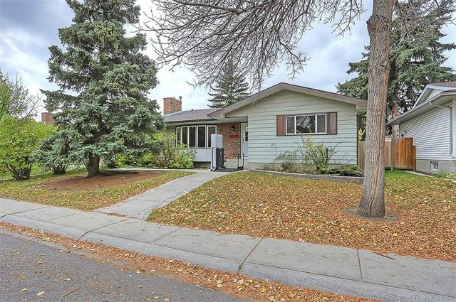 315 WHITEVIEW CL NE, 3 bed, 2.1 bath, at $389,900