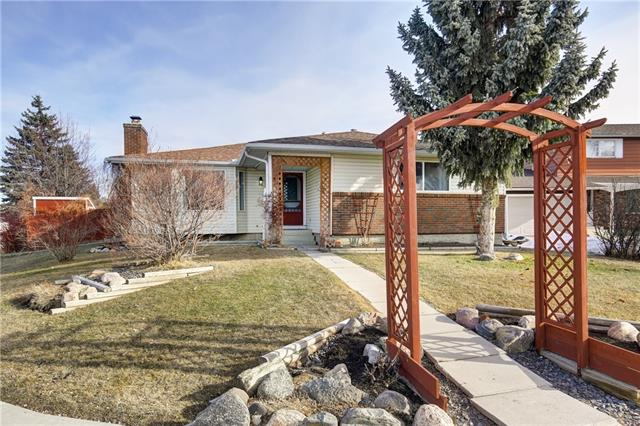 304 QUEEN ANNE WY SE, 5 bed, 3 bath, at $415,000