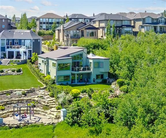 30 COULEE LN SW, 4 bed, 2.1 bath, at $1,388,000