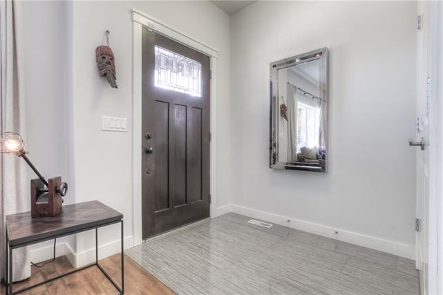 #1 1925 36 ST SW, 3 bed, 3.1 bath, at $499,900