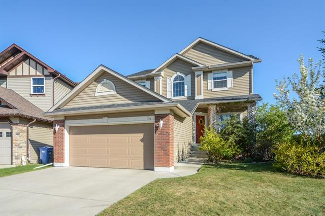34 COUGARSTONE ME SW, 3 bed, 2.1 bath, at $639,900