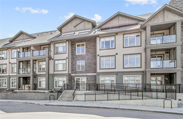 #115 25 ASPENMONT HT SW, 2 bed, 2.1 bath, at $498,500