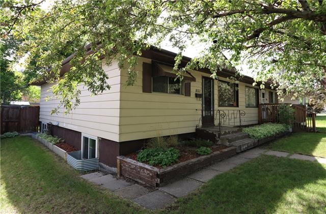 851 NORTHMOUNT DR NW, 3 bed, 2 bath, at $325,000