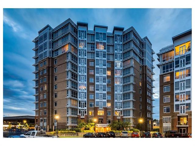 #205 16 VARSITY ESTATES CI NW, 2 bed, 2.1 bath, at $599,900