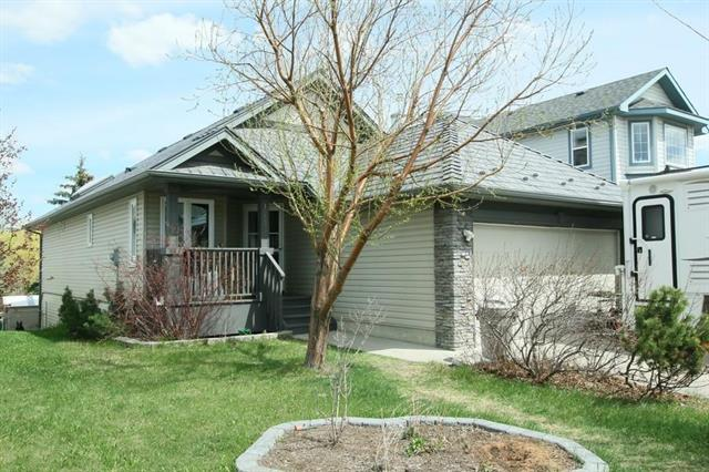 10532 HIDDEN VALLEY DR NW, 3 bed, 3 bath, at $388,500
