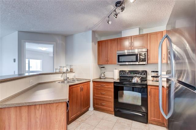#1221 10 PRESTWICK BA SE, 2 bed, 2 bath, at $224,900