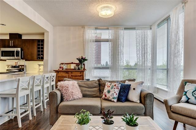 #302 55 Spruce PL SW, 2 bed, 2 bath, at $354,900