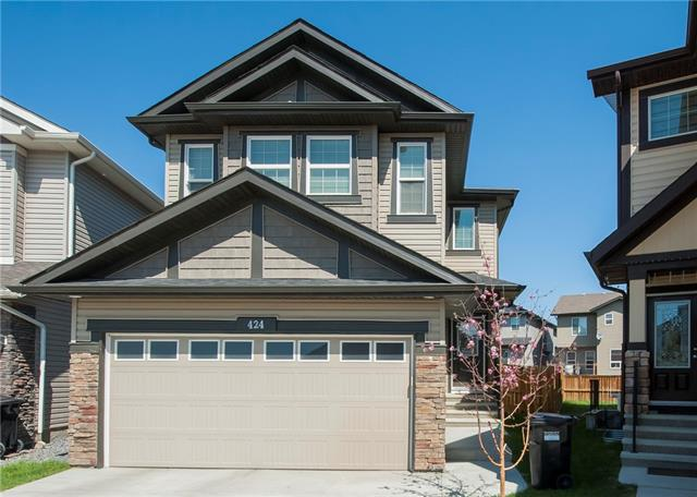 424 SKYVIEW SHORES MR NE, 3 bed, 2.1 bath, at $499,000