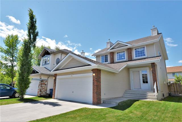 11 COUGARSTONE CI SW, 4 bed, 2.1 bath, at $499,000