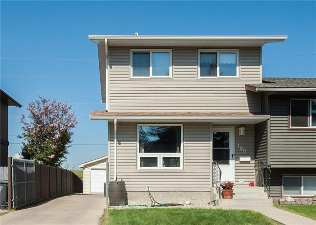 190 DOVERGLEN CR SE, 3 bed, 1.1 bath, at $315,000