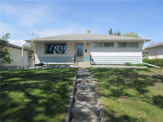 7215 21A ST SE, 3 bed, 2 bath, at $358,500